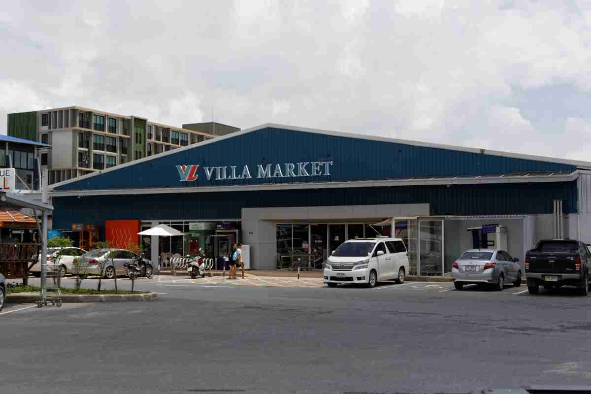 Villa Market @ Boat Avenue Phuket