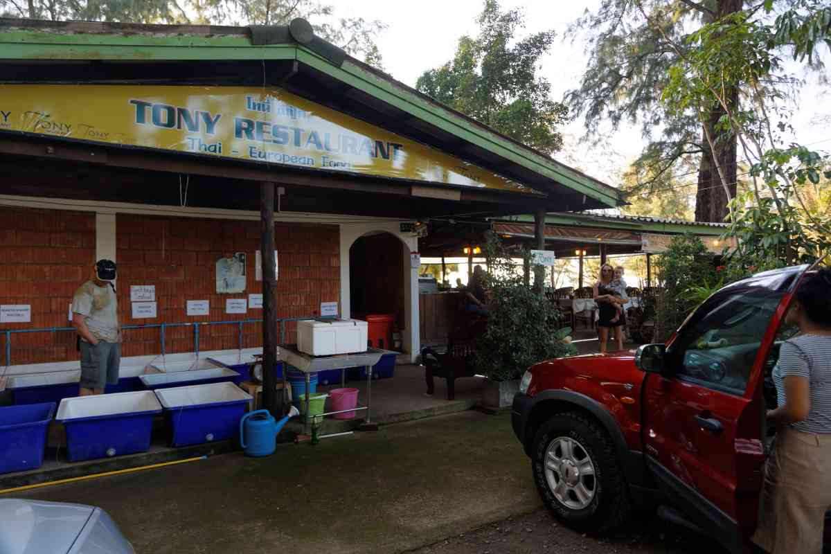 Tony Restaurant Layan Beach