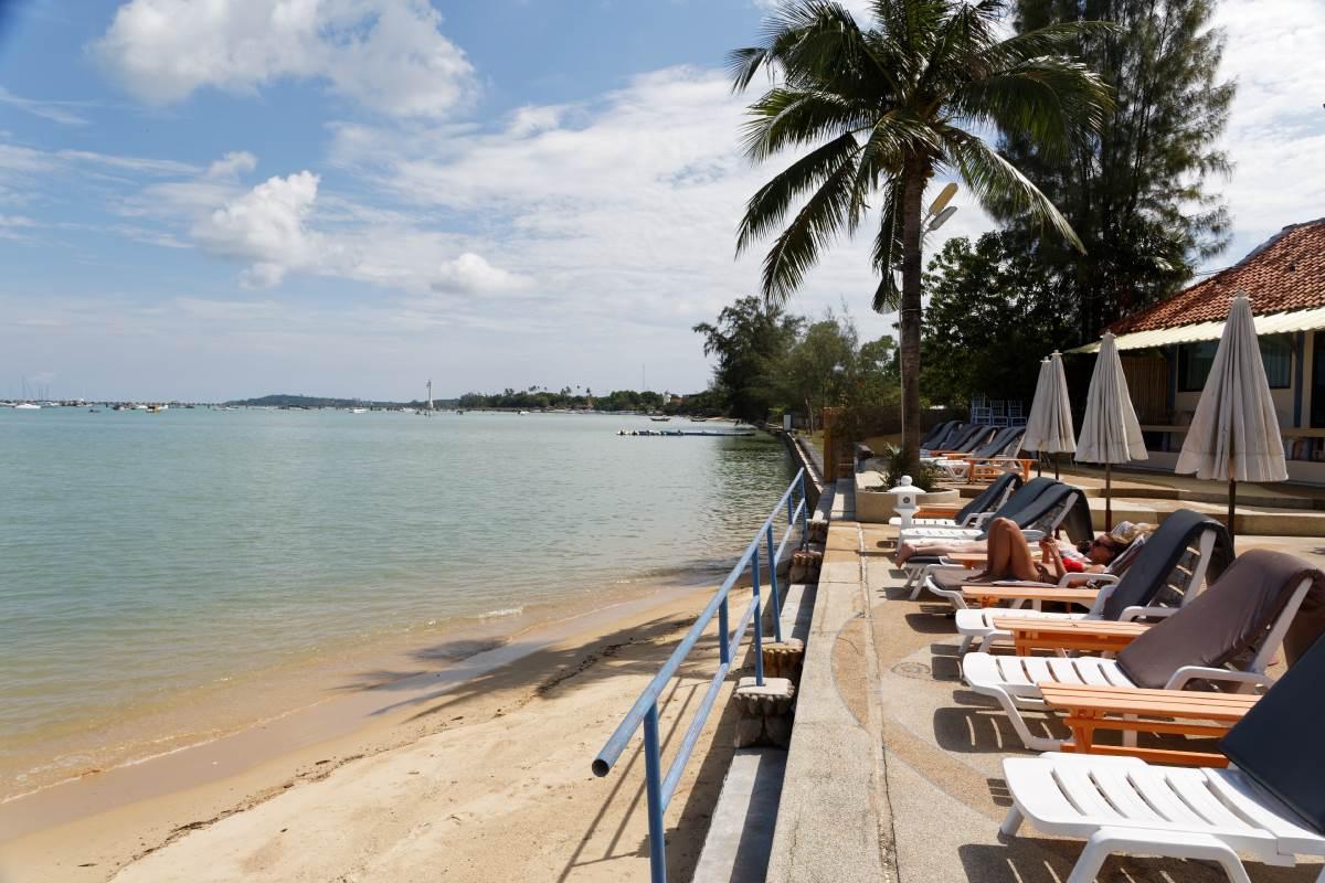 Chalong Bay Beach Phuket | Chalong Phuket